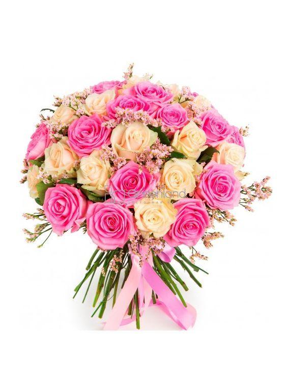 №266 Букет из розовых и белых роз и статицы