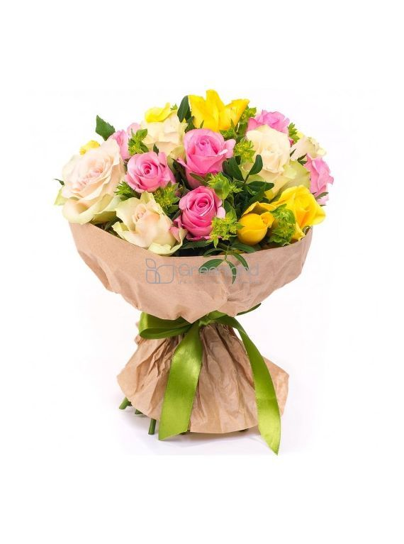 №23 Микс букет из 33 роз и зелени