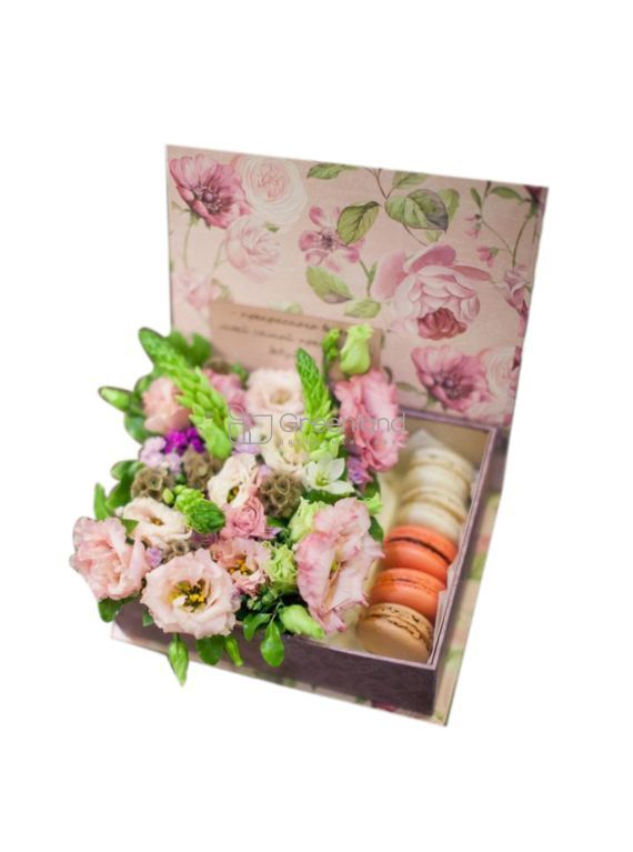 №301 Flowers with macaroons in square box